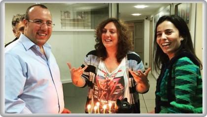 Yasemin Şefik Doğum Gününü Ünlü Sanatçı Dostlarıyla Birlikte Kutladı
